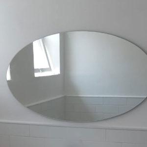 מראה אליפסה לארון אמבטיה